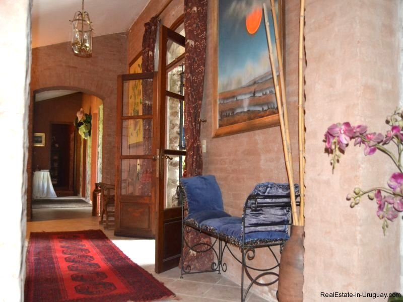 Hallway-in-Farm-House-San-Luis-Montevideo