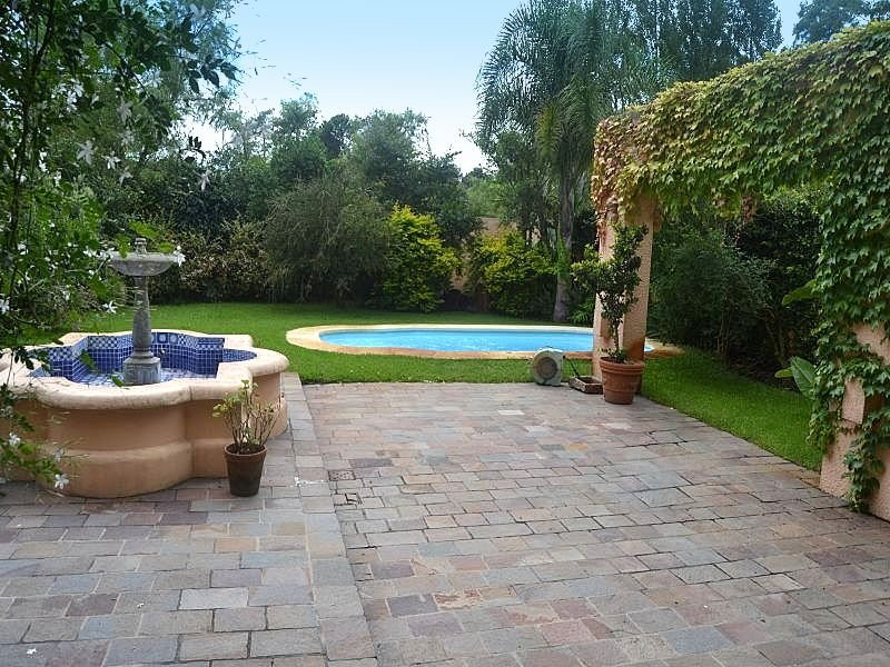 1511-Back-of-Large-Home-in-Jardines-Montevideo