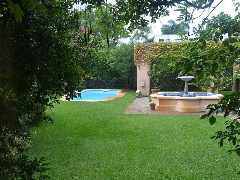 1511-Pool-of-Large-Home-in-Jardines-Montevideo
