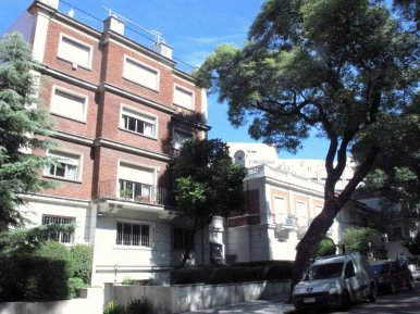 1557-Building-of-Park-Apartment-in-Montevideo-