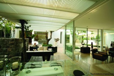 20005-In-and-Out-of-Modern-Villa-in-Tumbaco