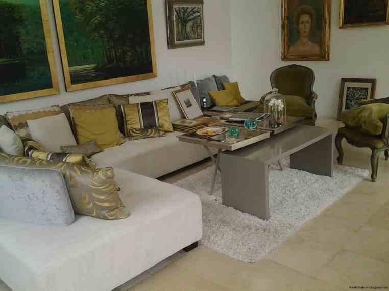 20005-Sitting-area-of-Modern-Villa-in-Tumbaco