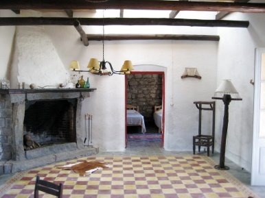 5406-Inside-of-Historic-Ranch-near-Cabo-Polonio