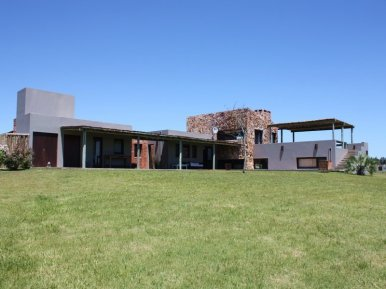 5458-Front-of-Lake-Ranch-in-El-Quijote