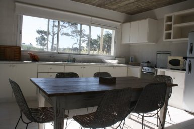 5596-Kitchen-of-Vacation-Home-in-Pinar-del-Faro-Jose-Ignacio