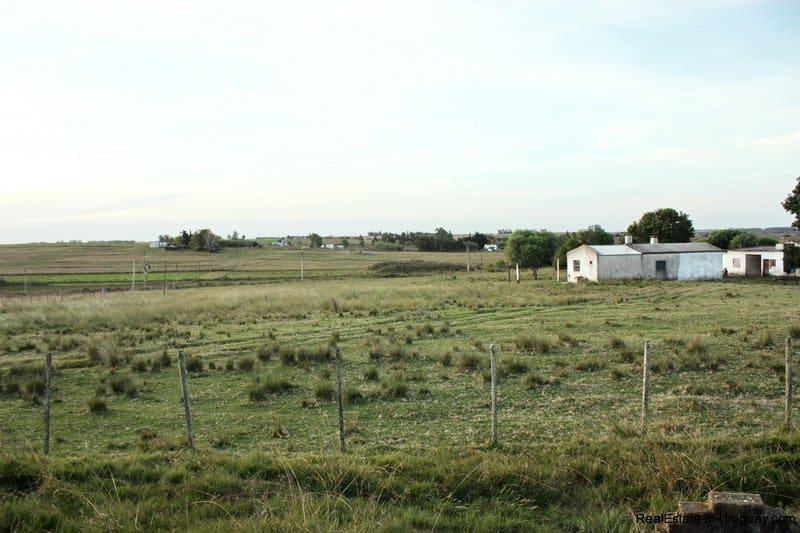 5603-Barn-of-Agro-Field-San-Jacinto-near-Montevideo