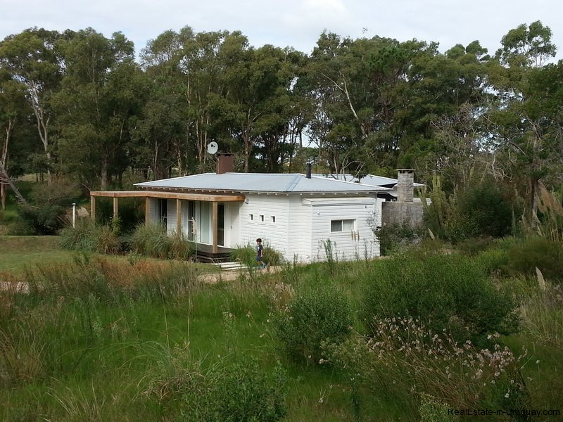 Wood-House-in-La-Barra