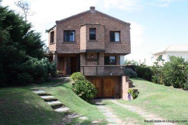 4478-Brick-Home-in-La-Barra