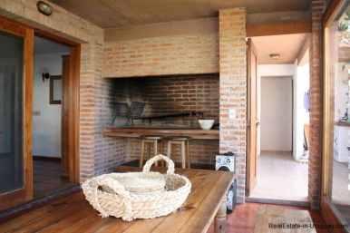 4478-Parilla-of-Brick-Home-in-La-Barra