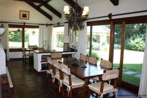 5531-Dining-of-Traditional-Villa-in-El-Golf-Punta-del-Este