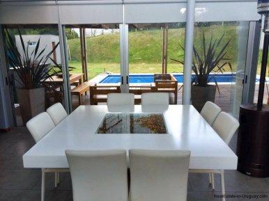 5666-Dining-of-Modern-Beverly-Hills-Home-Punta-del-Este
