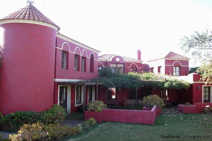 4608-Back-of-Villa-in-Montoya-3