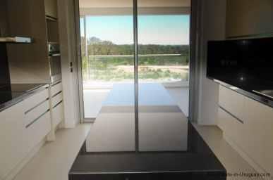 4985-Kitchen-of-Penthouse-Brava-Beach-10