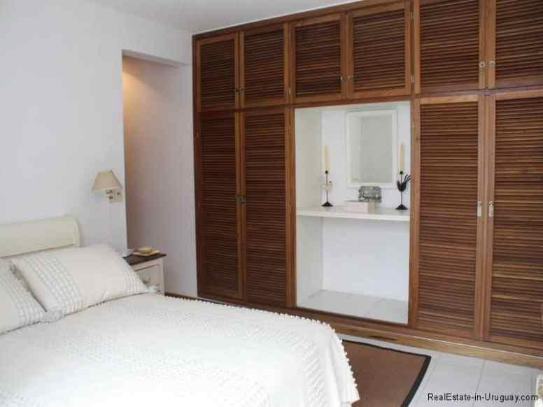 5385-Bedroom-of-Condo-Harbor-Punta-del-Este