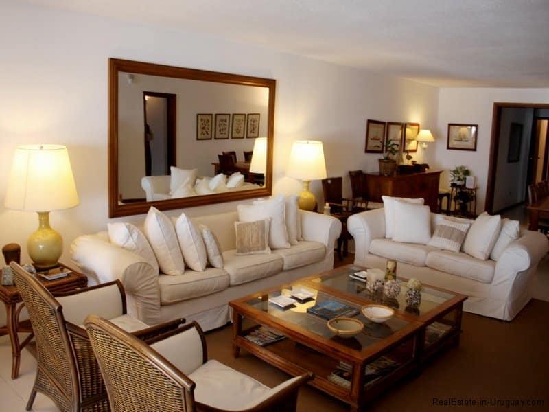 5385-Living-of-Condo-Harbor-Punta-del-Este-