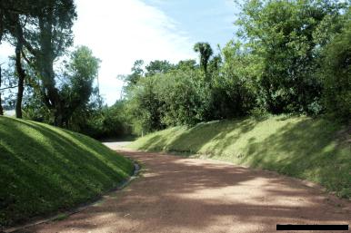 5676-Driveway-of-Large-Family-Home-Punta-Del-Este