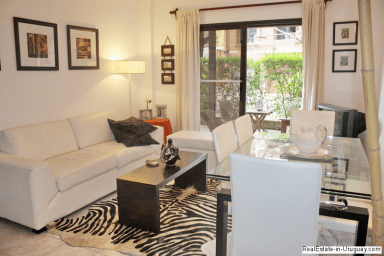 5681-Living-of-Small-Cute-Apartment-Punta-Del-Este