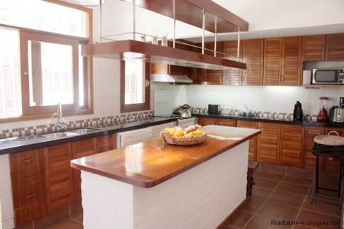 5704-Kitchen-of-Home-in-Punta-del-Este-8