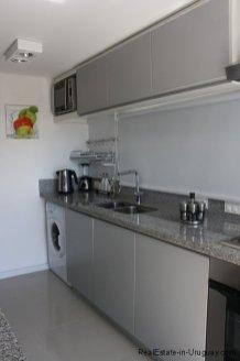 5715-Kitchen-of-Modern-Apartment-Punta