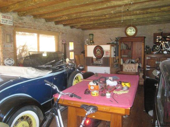 5740-Garage-of-Stone-House-La-Arbolada