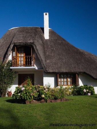 Beachhouse-in-Punta-Ballena-Uruguay