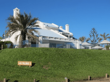 5045-Beach-House-La-Barra-Front-of-House