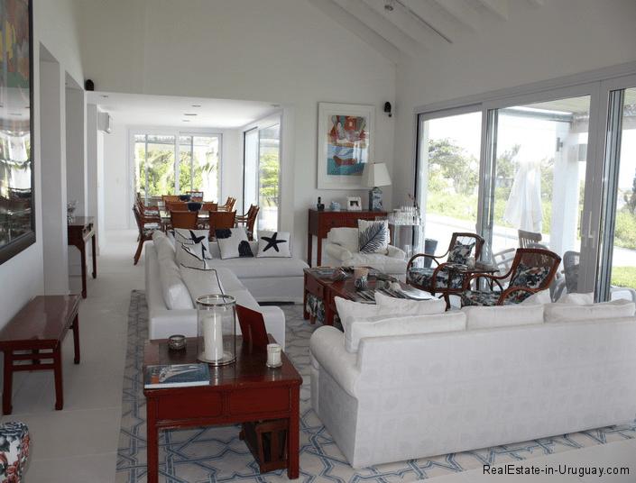5045-Beach-House-La-Barra-Living-Room2