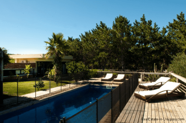 5144-Modern-Pool-House-Jose-Ignacio-Pool-and-Deck