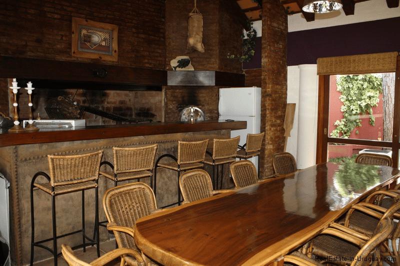 5721-Home-in-Beverly-Hills-Punta-del-Este-Parilla-Area