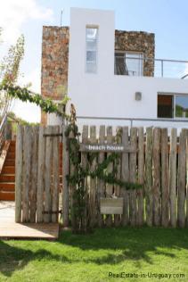 Small-Beach-House-Santa-Monica-Front-of-House