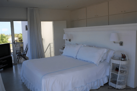 Small-Beach-House-Santa-Monica
