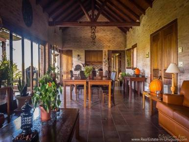 Beautiful Estancia with Vineyard - Dining Room