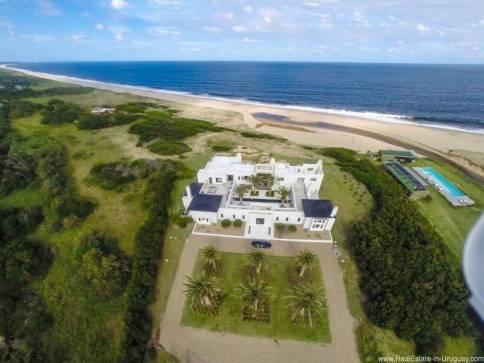 Spectacular Beach Villa near Jose Ignacio