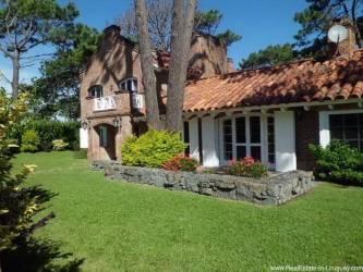 Charming Home near Brava Beach