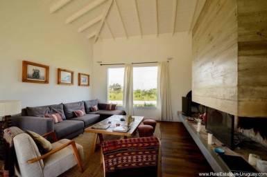 5261 Country Home near La Barra - Living Room