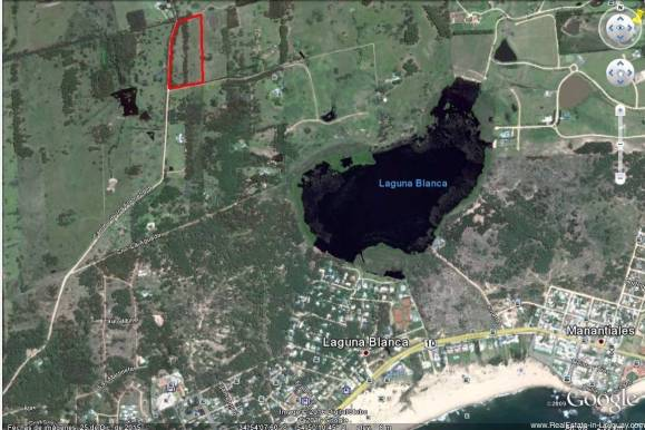 large plot near lagoon and golf la barra location