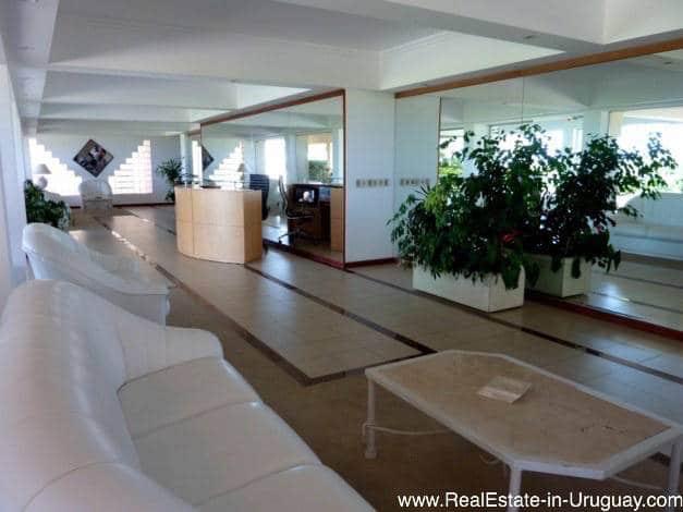 Nice Apartment with Hardwood Floors on Brava