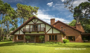 Traditional Well Built Home with Large Garden in El Golf