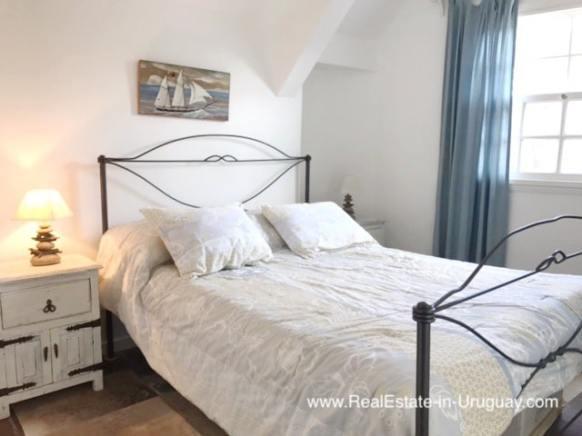 Charming Apartment in Mediterranean Style Building on Brava