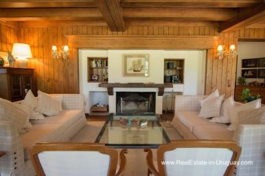 Traditional Home with Large Garden in El Golf