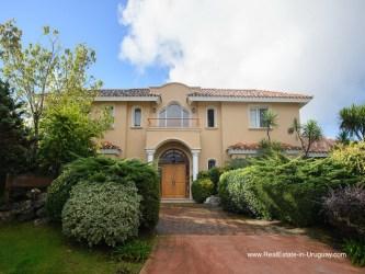 American Style Villa in Beverly Hills Punta del Este, Uruguay