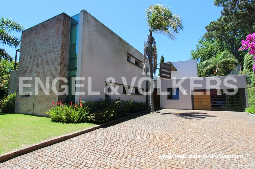 Ideal Family Home in Carrasco in Montevideo