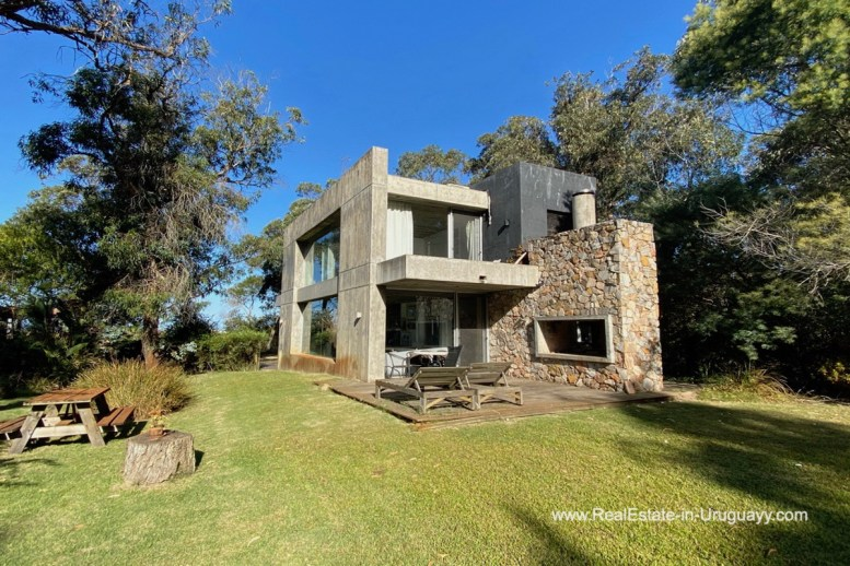 5998 Modern Home with Lagoon Views in Santa Monica near Jose Ignacio - BBQ Area and Garden