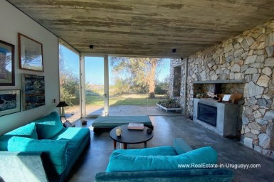 5998 Modern Home with Lagoon Views in Santa Monica near Jose Ignacio - Living Room