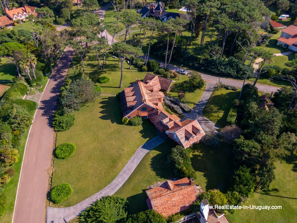 Areal Magnificent House in El Golf in Punta del Este