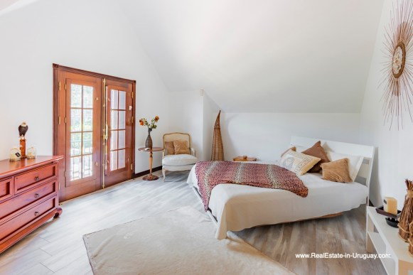 Guest Bedroom of Frontline Estate on the Mansa Beach in Punta del Este with incredible Views
