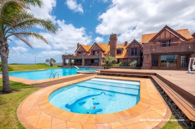 Pools of Frontline Estate on the Mansa Beach in Punta del Este with incredible Views