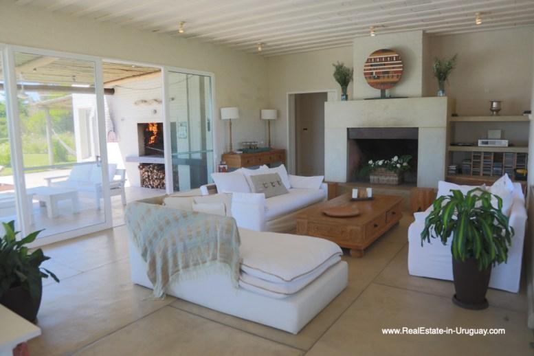 6500 Country House in Jose Ignacio with Lagoon Views - Living room fireplace