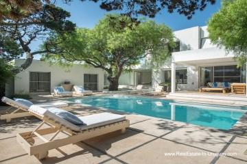 Pool of Home near the Beach in La Barra