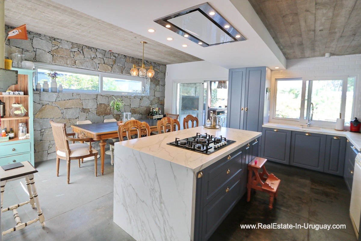 Dining of Modern Home in the Montoya Area by La Barra